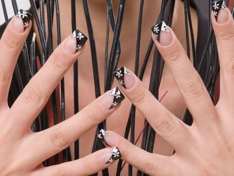Basic Nails Course (6 Μήνες)